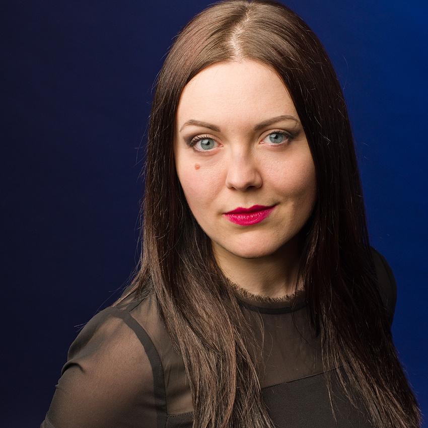 BRETT - Lindsey McNeill